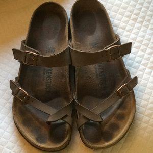 Birkenstock sandals size 9M L11